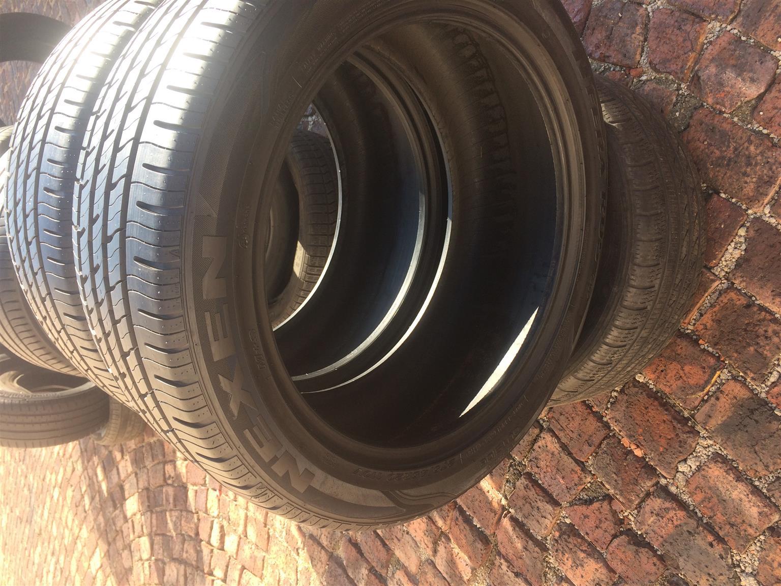 275/45/ r20 x 2 NEXEN Tyres. Like New.