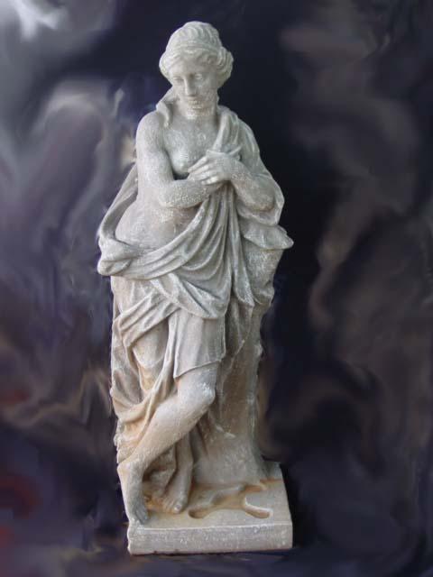 1ST036 Chantelle Statue