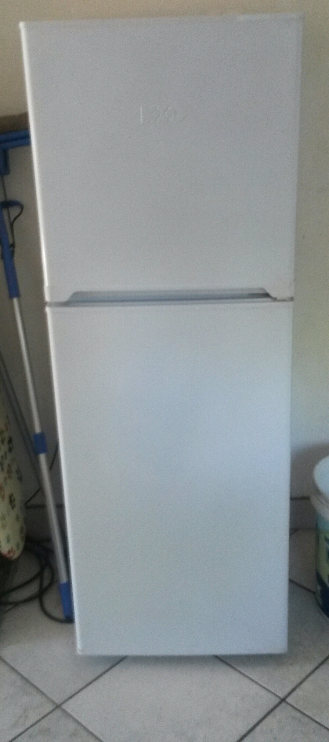 KIC top freezer fridge 170lt for sale