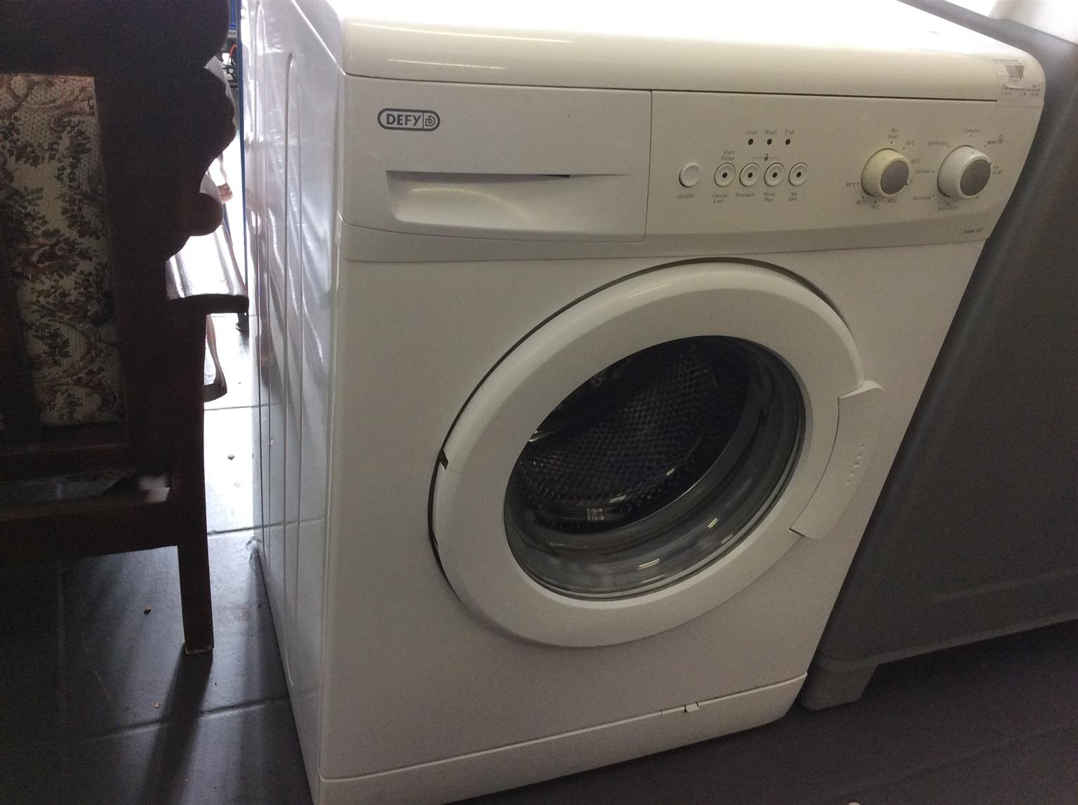 Defy washing machine. 6KG Front Loader white