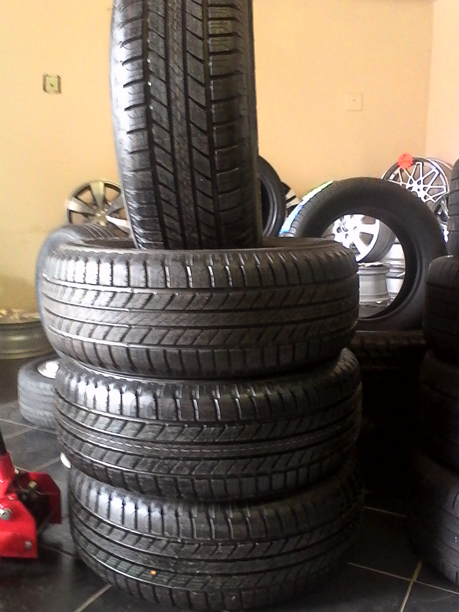 265/65/17 goodyear wrangler all weather 4x new tyres r5599