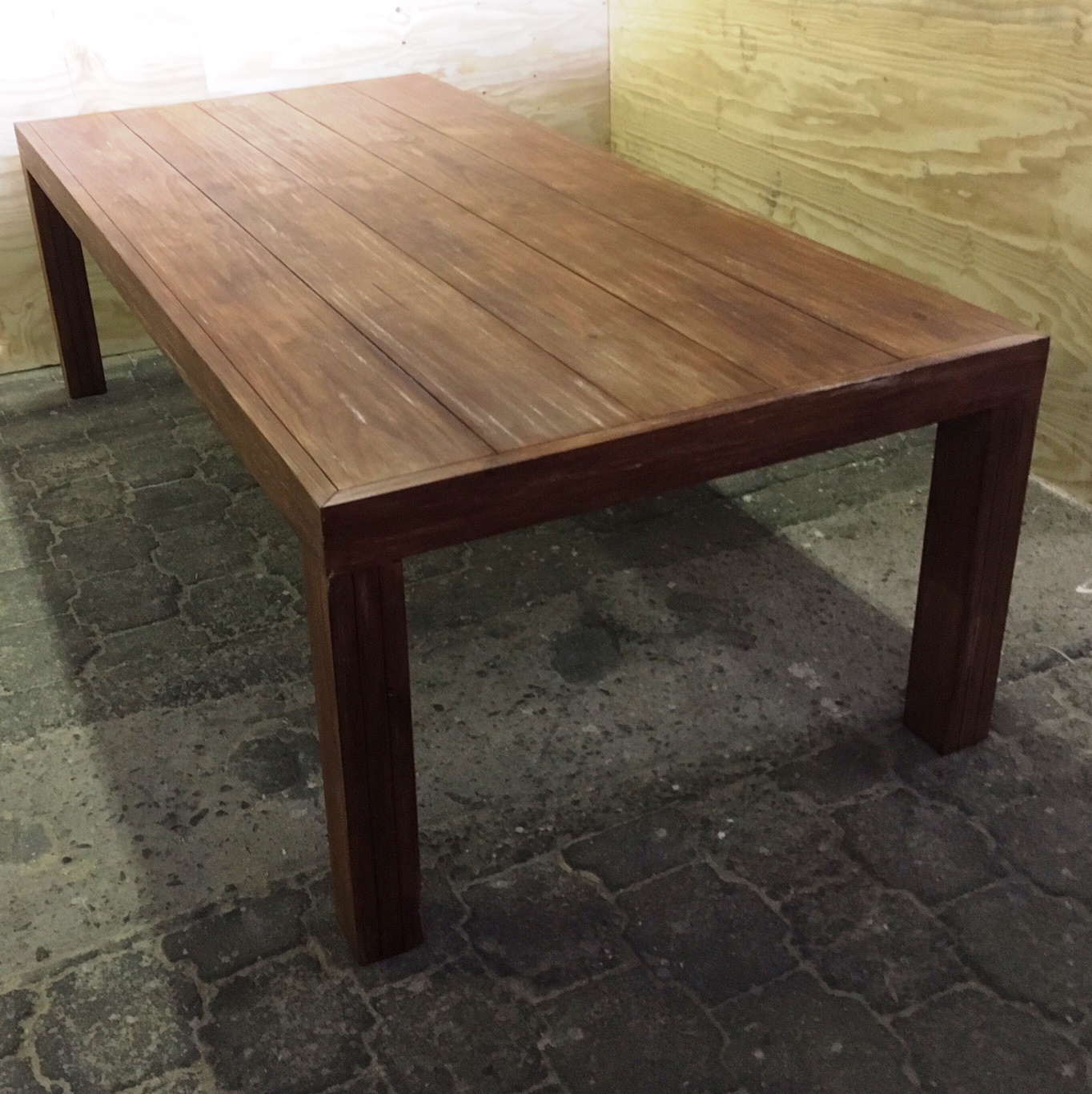 Patio table Chunky Farmhouse series 2500 extra width Stained