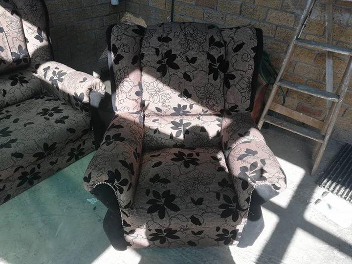 Lounge suite 3 piece lounge suite