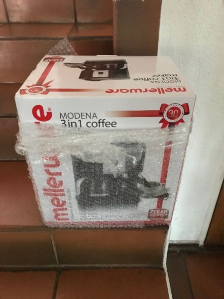 Brand New Mellerware Modena 3 in 1 Coffee/ Cuppuccino maker with a free 2kg bag of Coffee Beans...