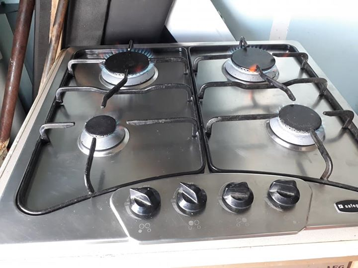 Safegas gas hob WITH full 11.8kg gas tank