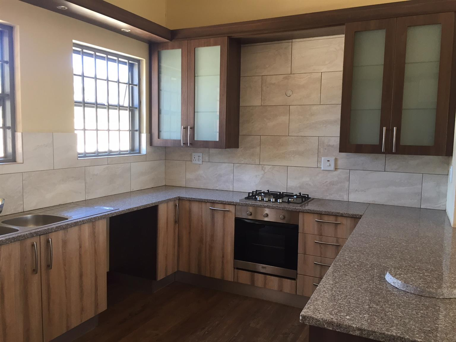 Brand New Large One Bedroom Cottage In Pretoria East