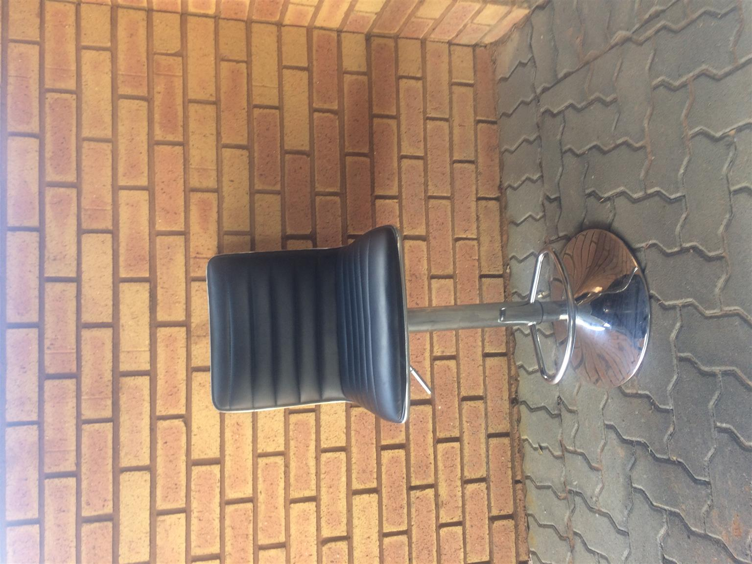 Bar or Counter Stool Adjustable height  pretoria r400