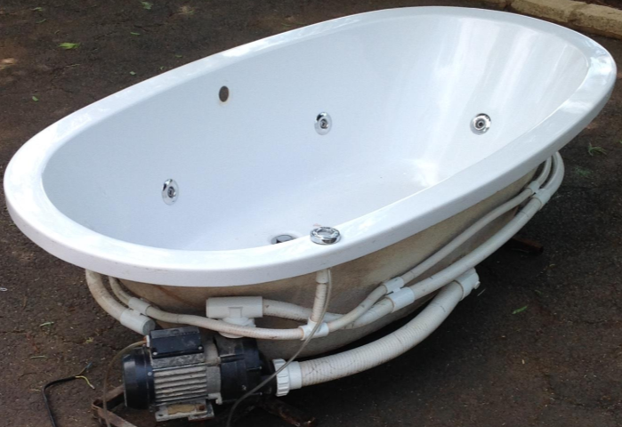 Used SPA bath tubs for sale.