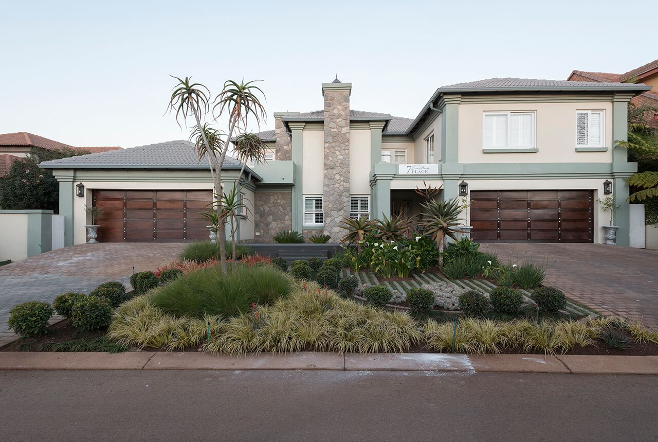 Mansion on Auction in Midstream Estate