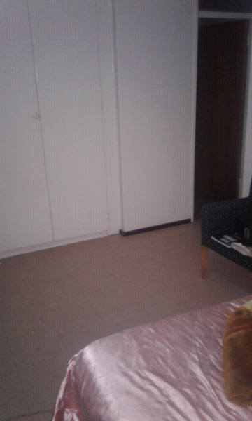 Big bedroom with own bathroom to let urgently