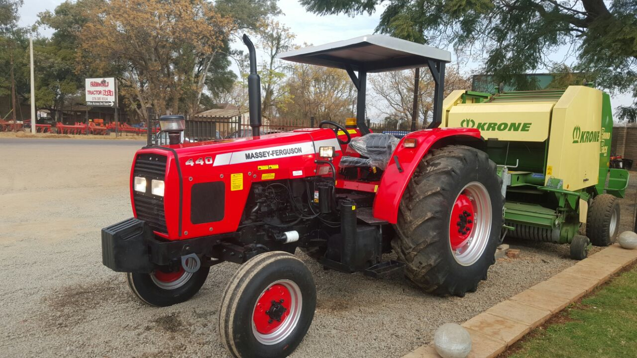 S2845 Red Massey Ferguson (MF) 440 61kW 2x4 Pre-Owned Tractor