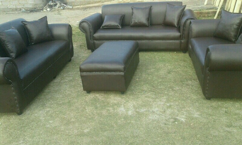 7 Seater bonded leather couch with 7 cushion