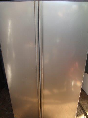 Defy 640L Fridge/Freezer (Silver)