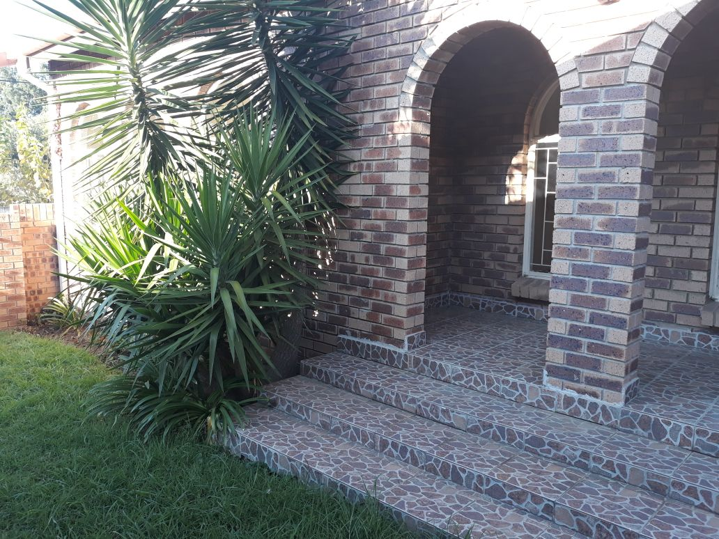 3 Bedroom Townhouse to let in Newcastle - R6,800 pm