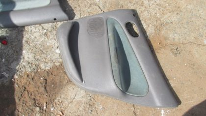 2003 Peugeot 206 right rear door panel for sale