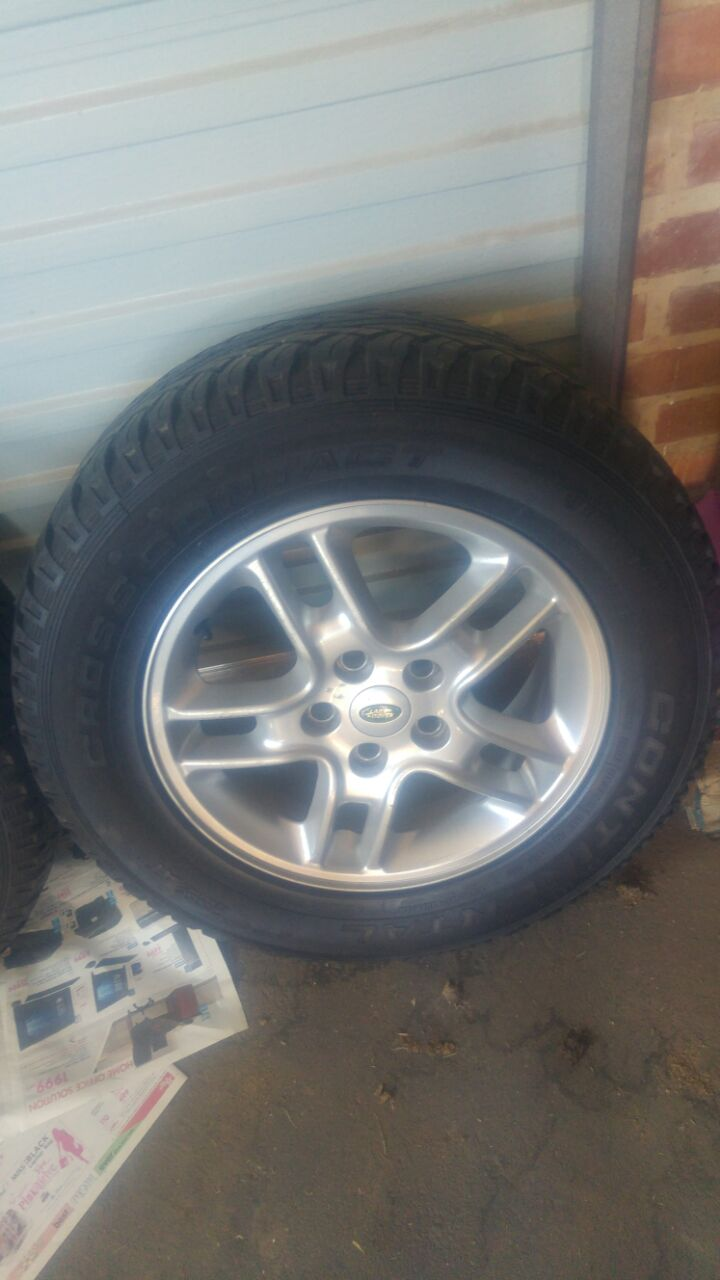 4x mags with tyres continental cross contact