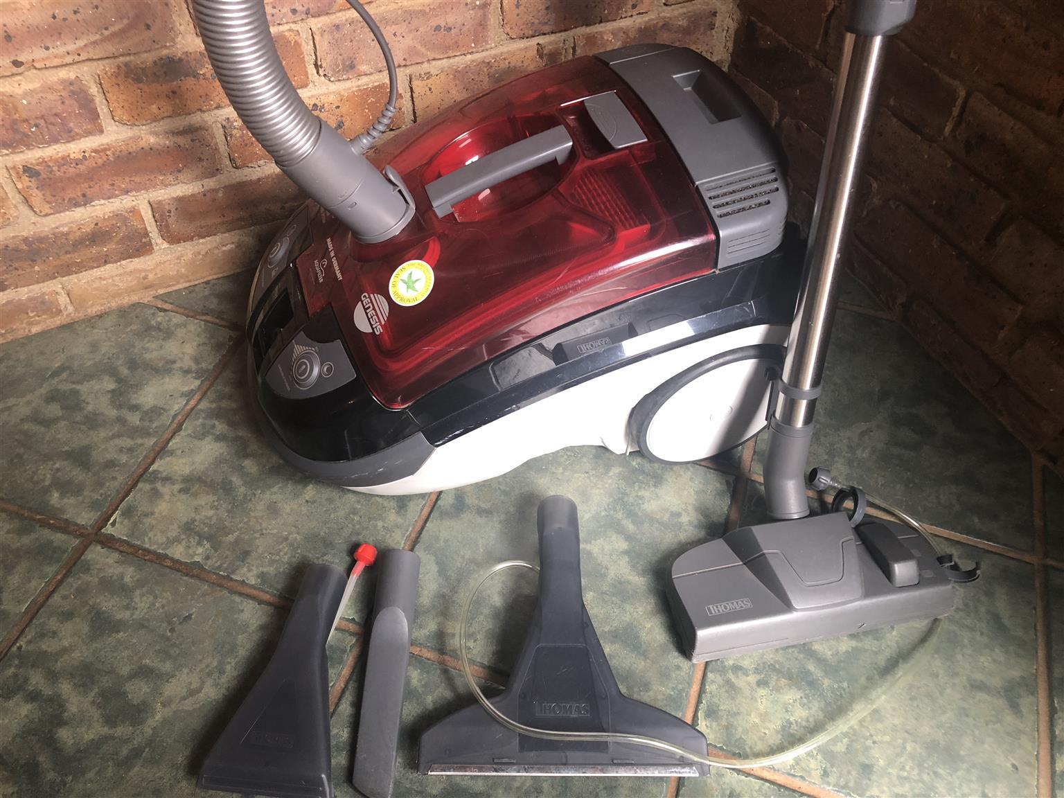 Genesis Hausmeister Vacuum Cleaner