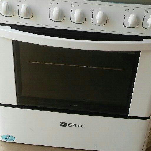 Zero 6 burner gas stove with oven