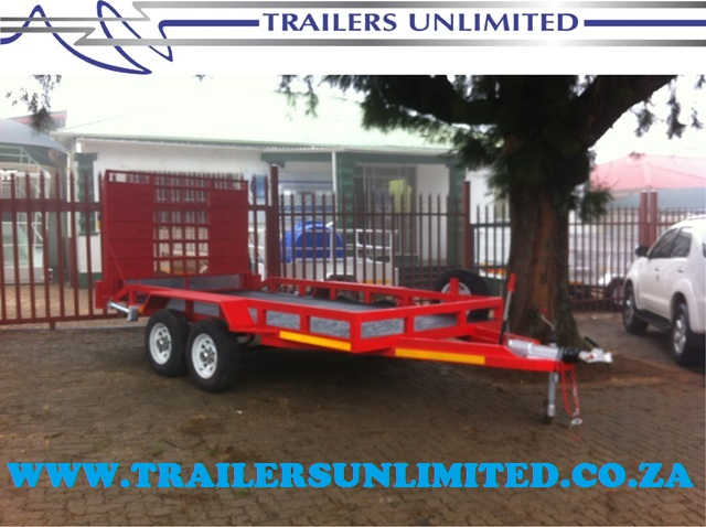 DOUBLE AXLE RED CAR TRAILER.