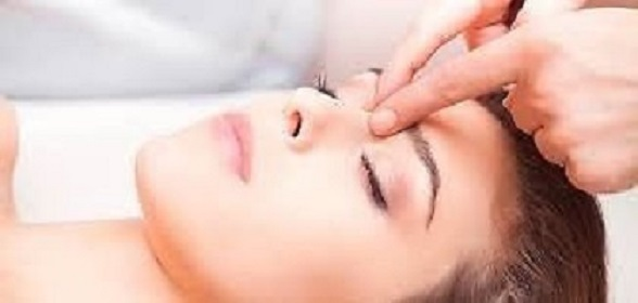 * * * APRIL  SPECIAL * * *  Back and neck massage R200, Durban North