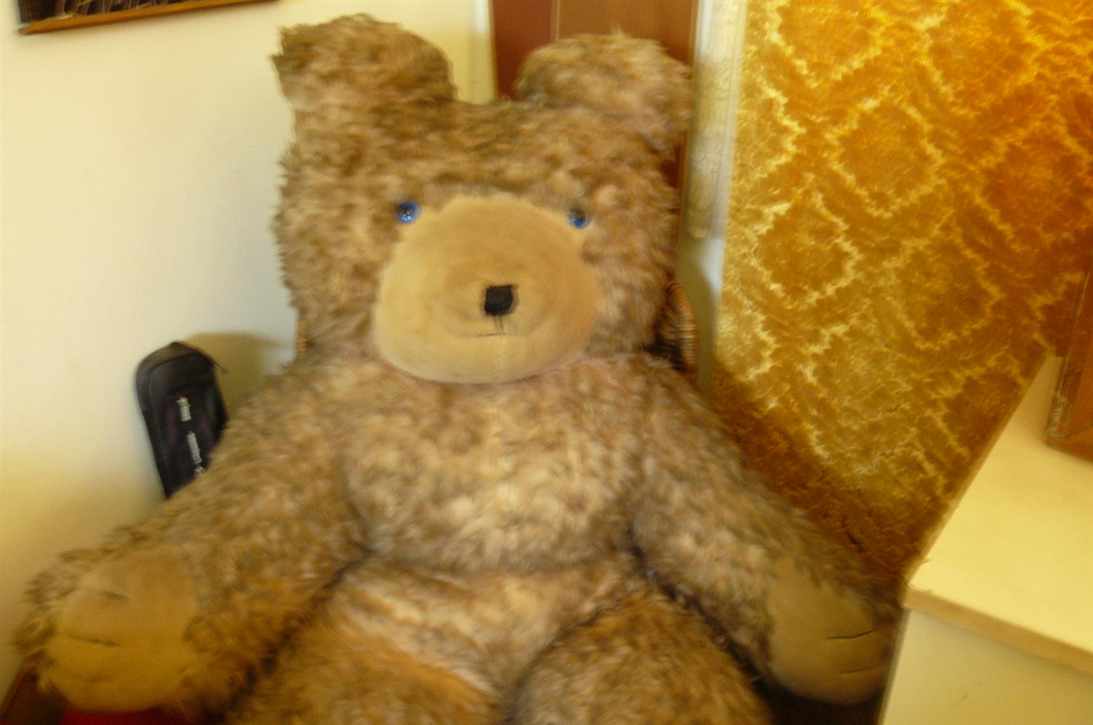 BIG ANTIQUE  TEDDY BEAR IN GOOD CONDITION FOR SALE !! Price reduced.