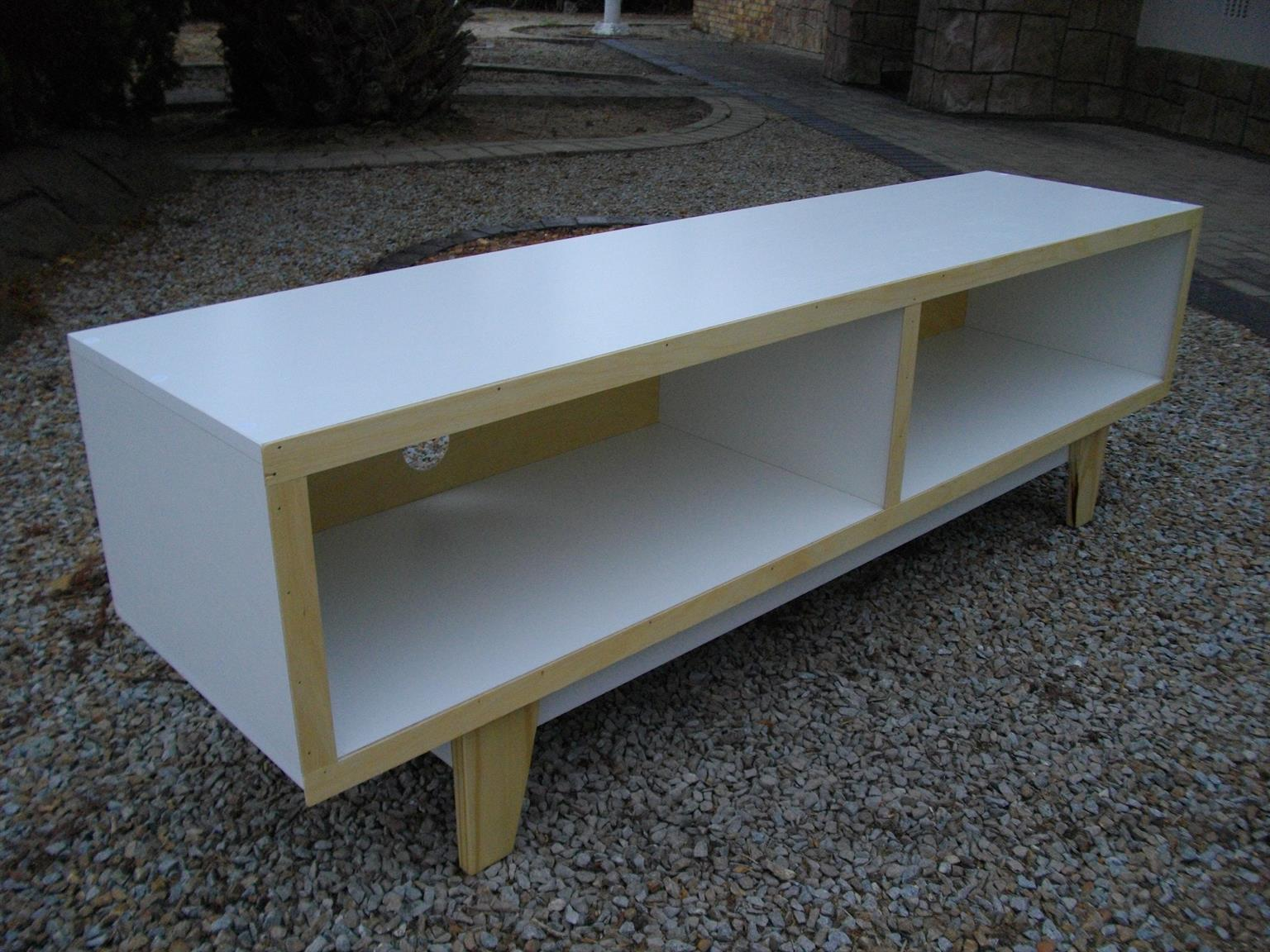 Special Offer for this week!! Retro Melamine Alpine White Plasma Unit. Was R1500 Now Only R1200.