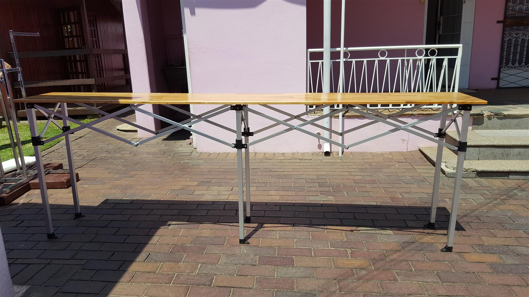 Folding bar/ counter table