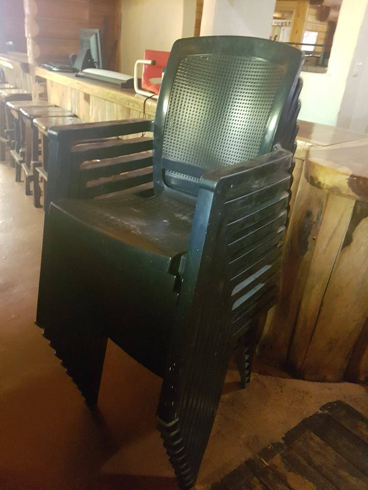 Plastic garden chairs for sale