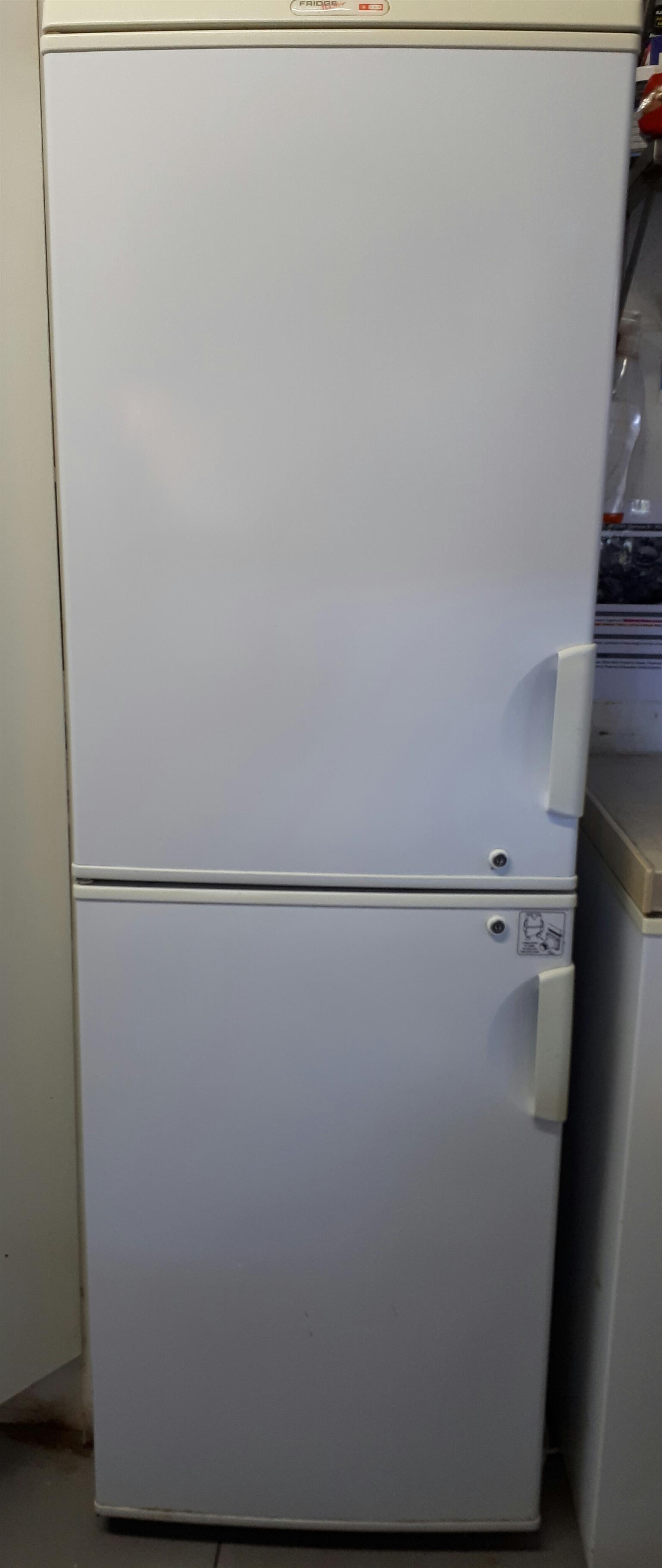 Upright Freezer for sal