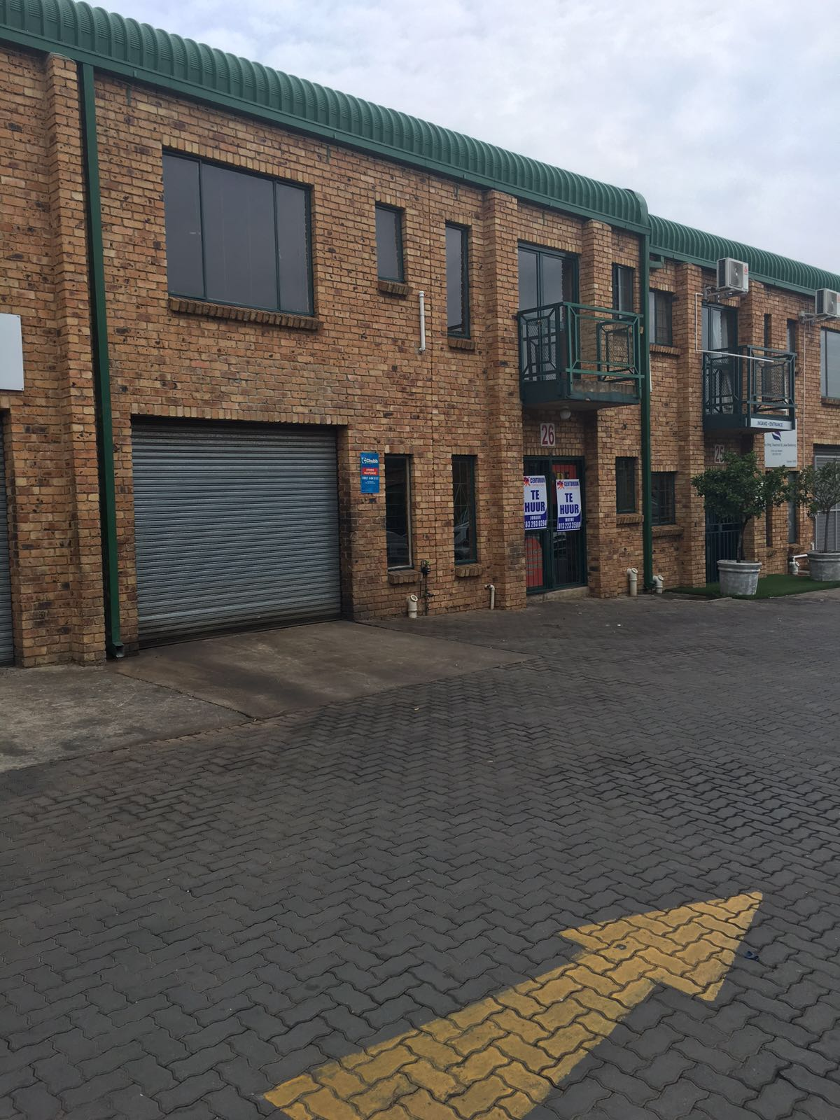 WAREHOUSE / FACTORY / OFFICE To LET IN HENNOPSPARK , Centurion