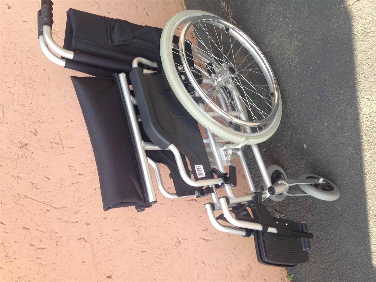 Aluminium folding wheelchair