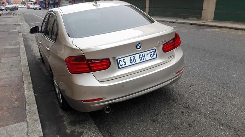 2009 BMW 3 Series 320i auto