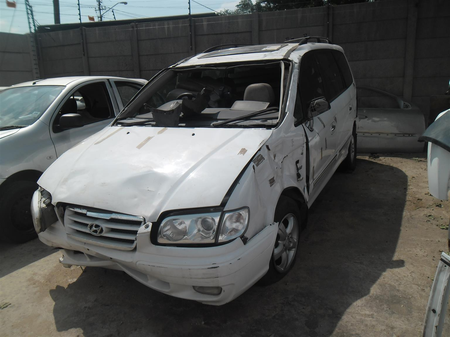 HYUNDAI TRAJET V6 STRIPPING FOR SPARES ENGINE FOR SALE