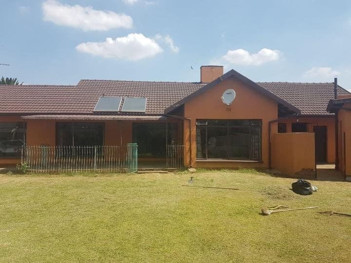 Kempton Park - Beautiful 3 bedrooms 1 bathrooms house available R11500