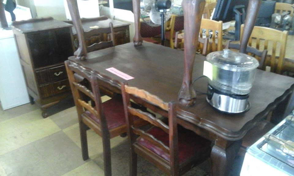Antique wooden 4 seater dining set