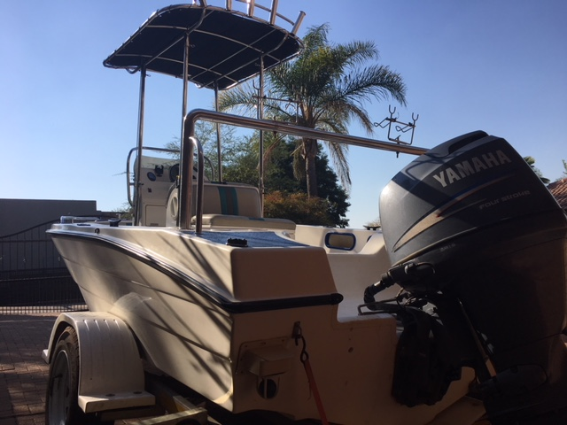 17ft Unreel centre consol, with 100HP 4 stroke yamaha efi
