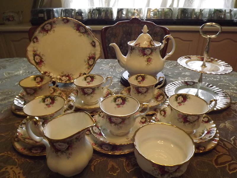 Royal Albert Celebration 26 piece tea set complete for 6 people And IS BRAND NEW