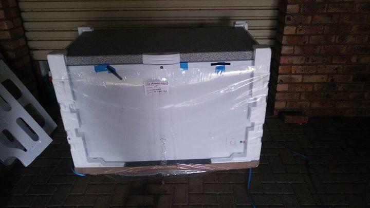 Defy chest freezer 386 L