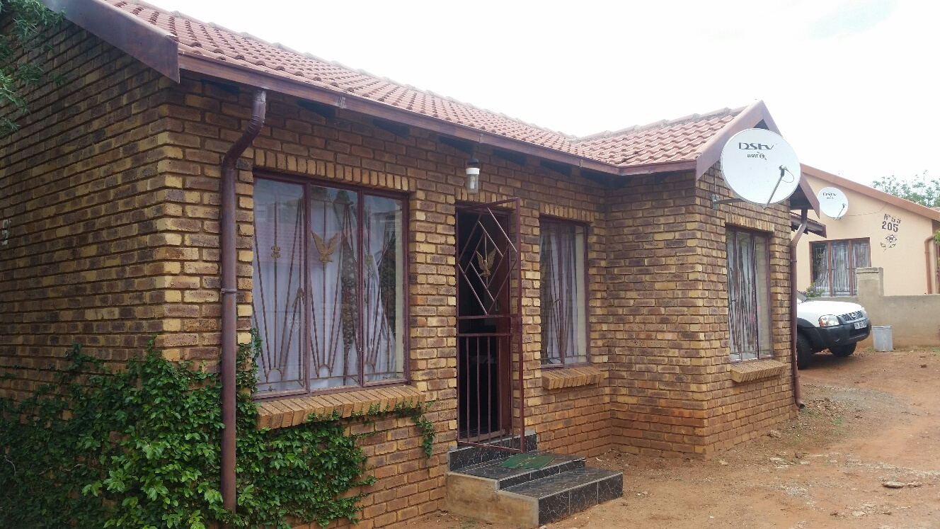 Philip Nel Park 3 Bedroom House To Let