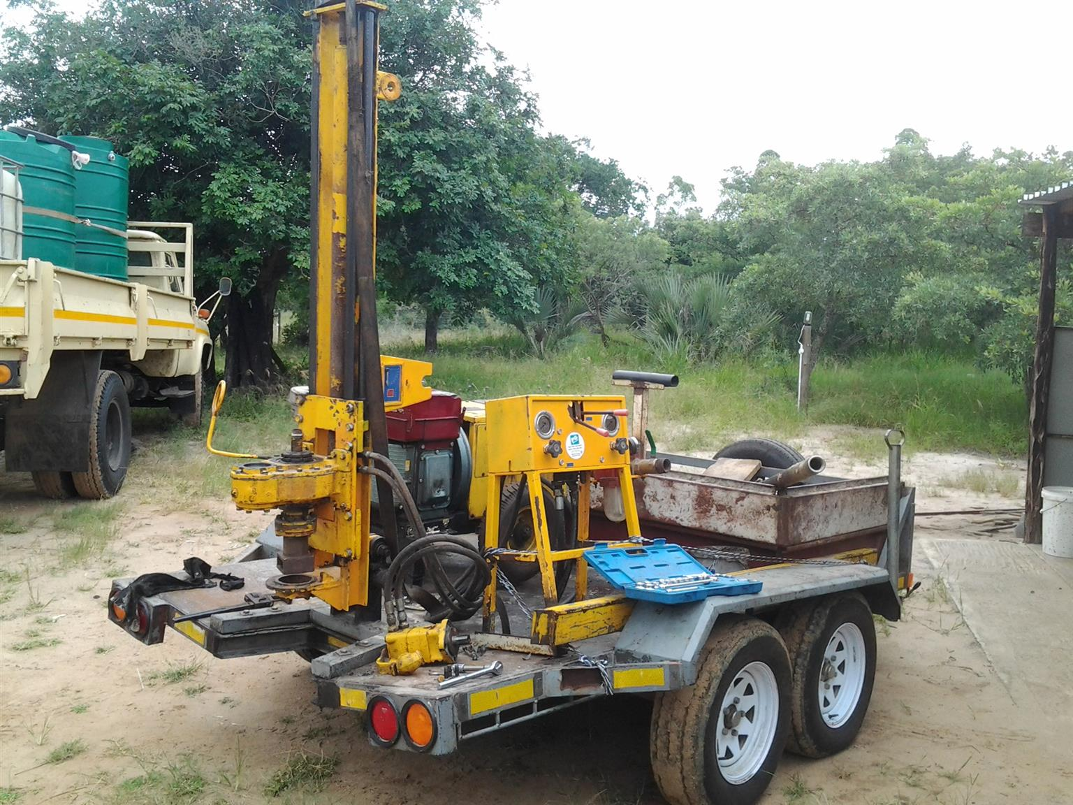 Geoprobe drilling rig 8040 track