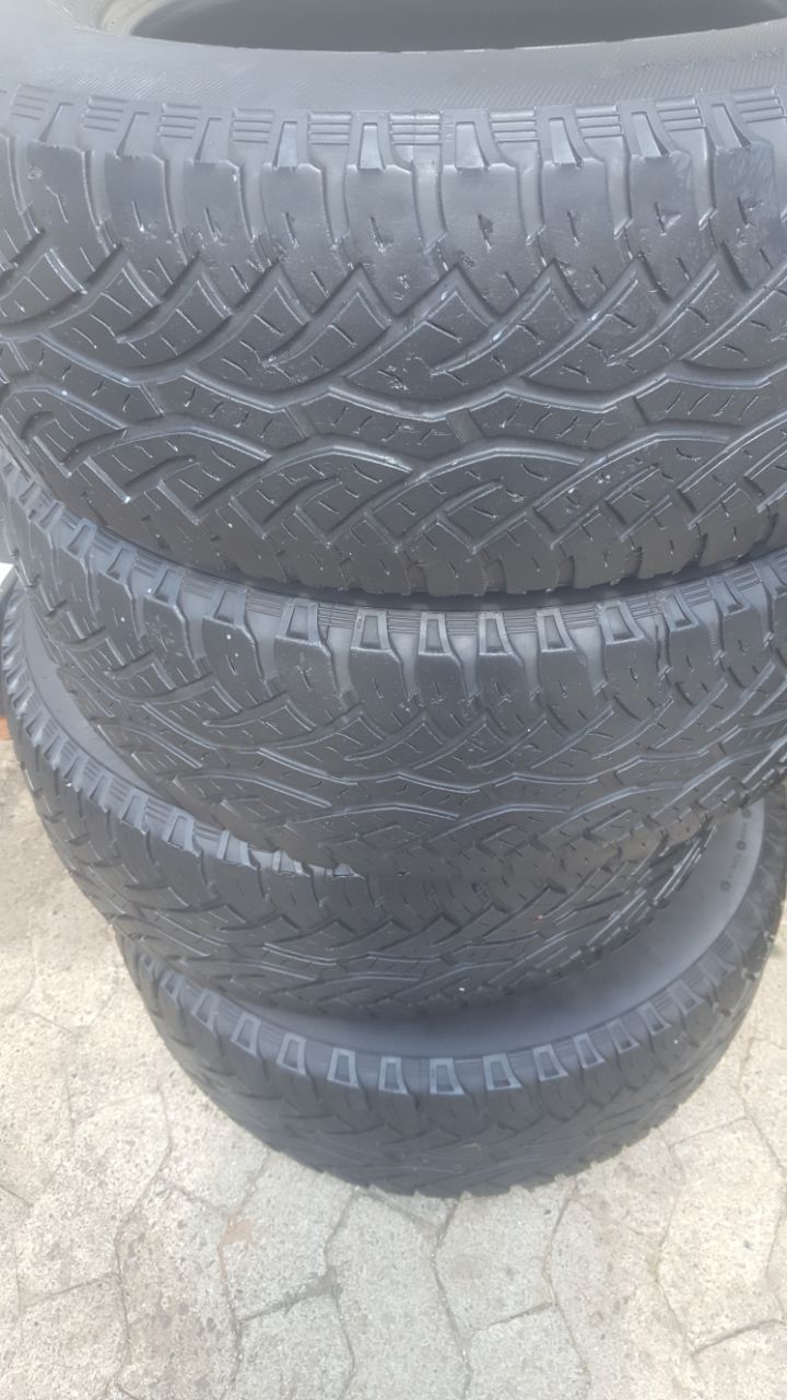 Set 70% tread 265/65/17 Continental Cross Contact Tyres fits Ford Ranger  R1000 each R4000