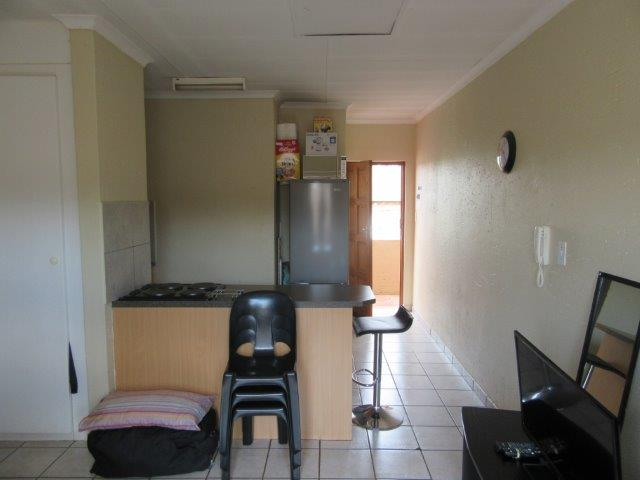 Bachelor Flat Available To Rent In Highveld Centurion Junk Mail
