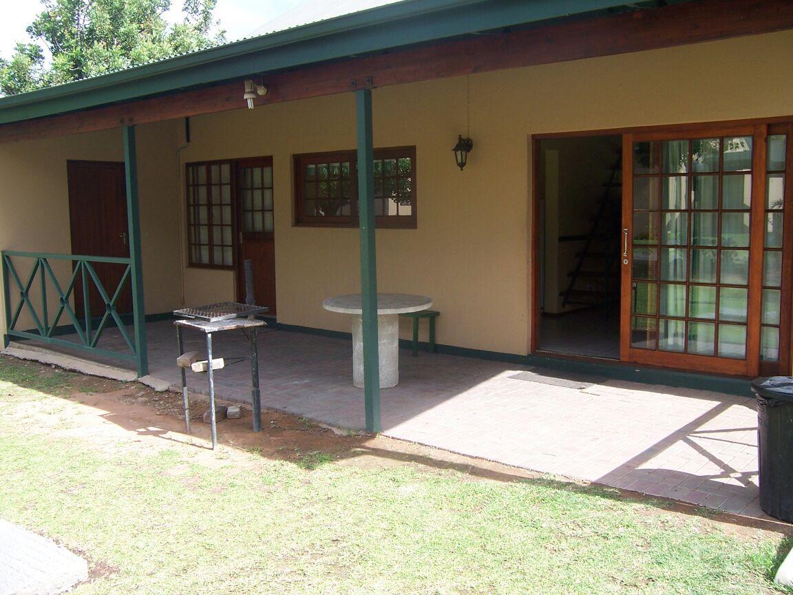 8 Sleeper Unit (2 bedroom, 2 bathroom) in Pendeberry Resort Bela Bela