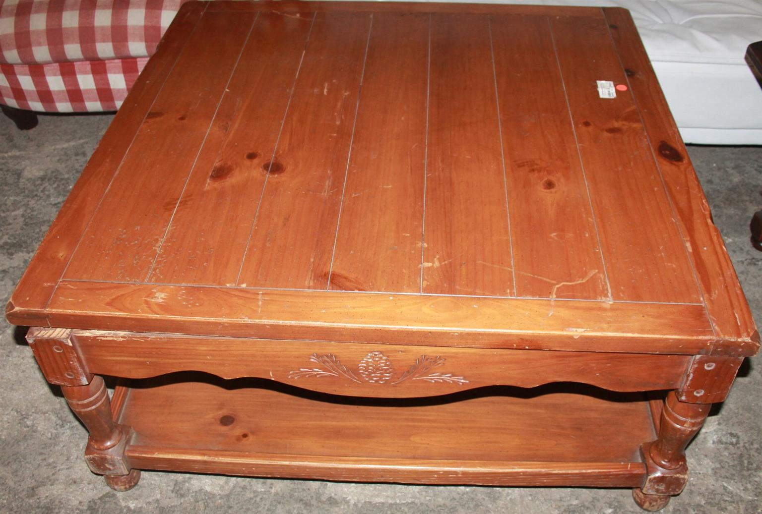 Coffee table S022303a #Rosettenvillepawnshop
