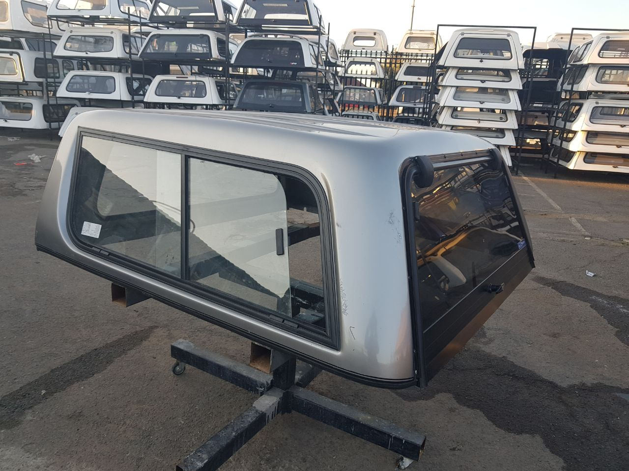 BUCCO VW AMAROK DC SILVER CANOPY FOR SALE!!!