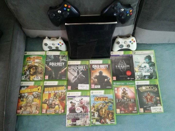 Xbox 360 , 12 games and 4x remotes