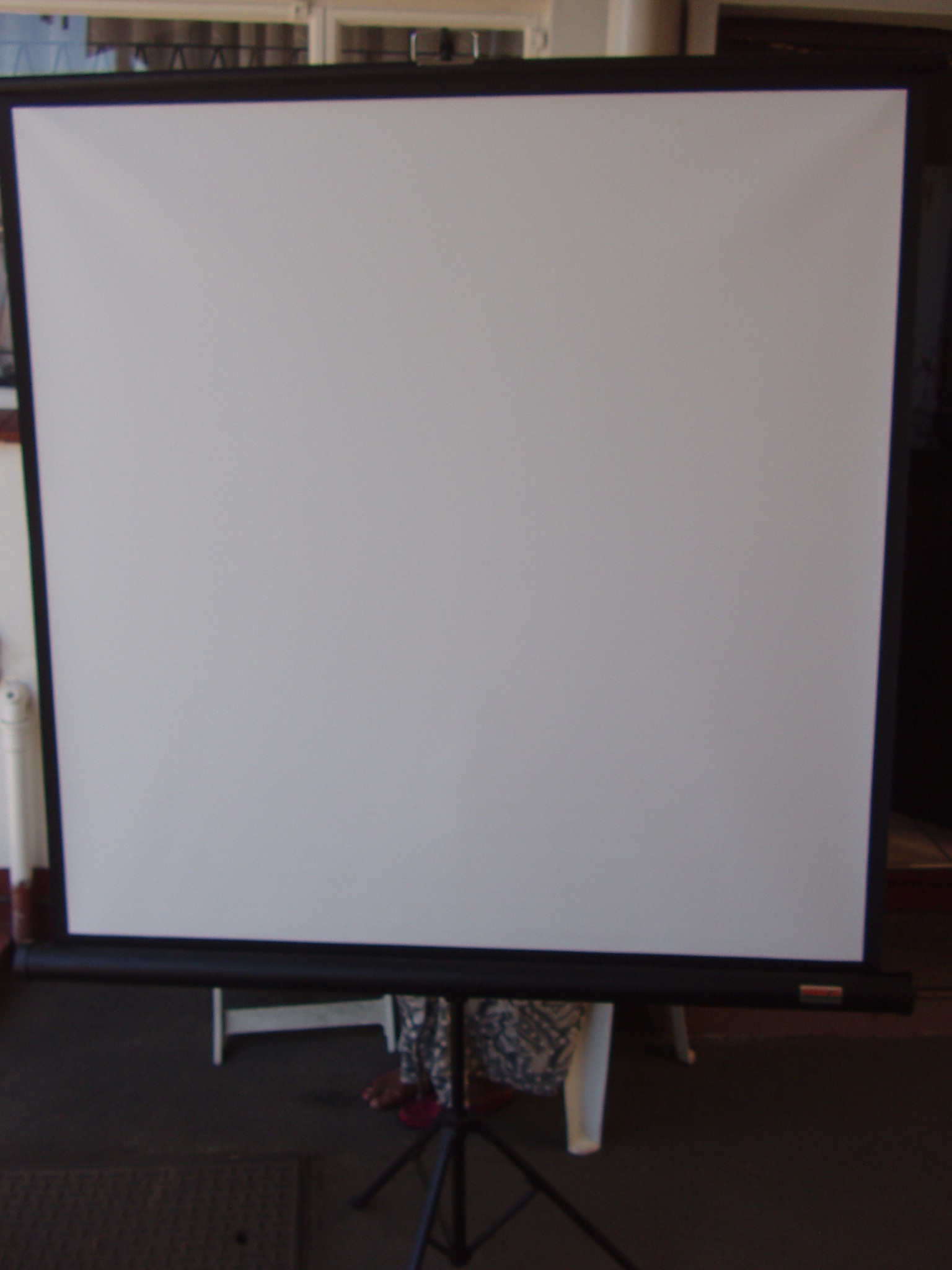Projector Screen - Parrot - On Tripod Stand - 1250 x 1250mm