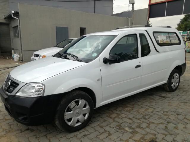 2010 Nissan NP200 1.6i (aircon)