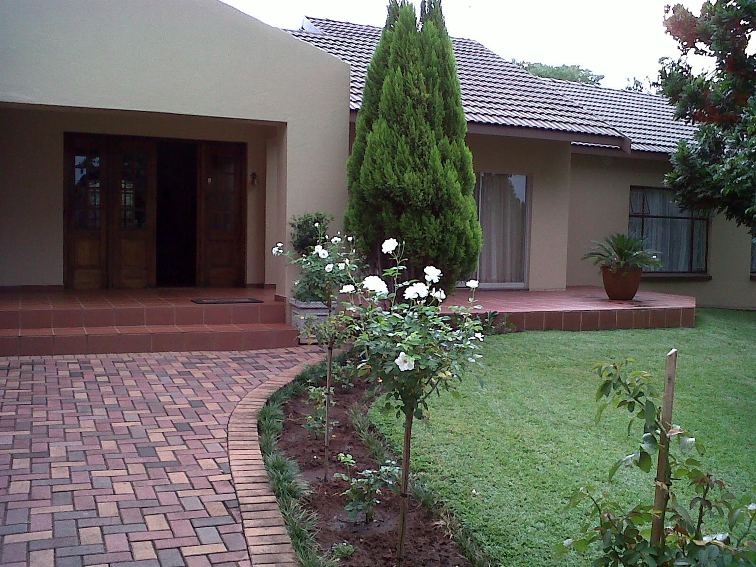 Large house for sale in Old Cashan