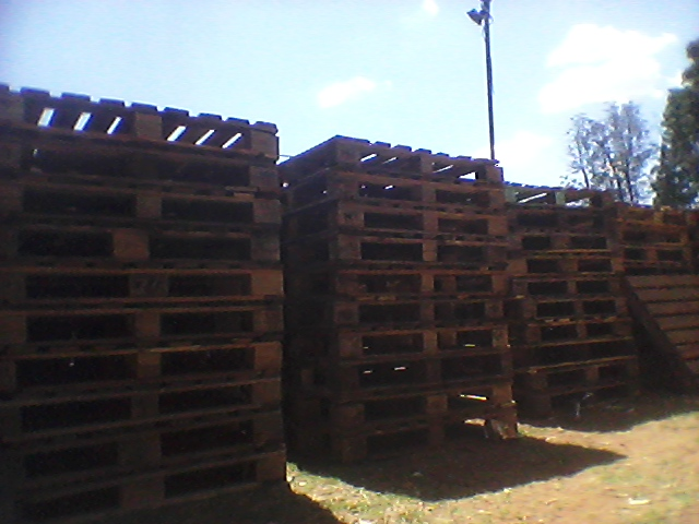 Second hand wooden pallets - R35